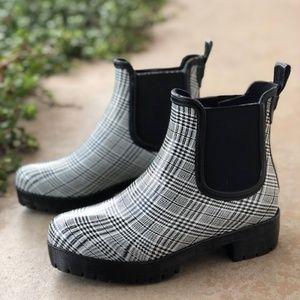 91a5e4f96 Jeffrey Campbell Shoes - Jeffrey Campbell Cloudy Plaid Chelsea Rainboot